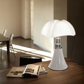 Minipipistrello J LED bordslampa designad av Gae Aulenti